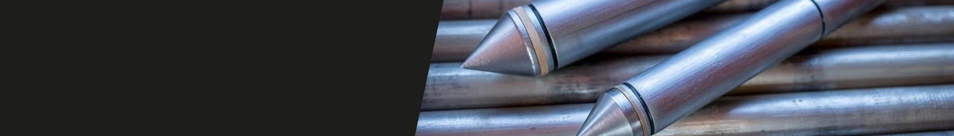 metalowe stożki